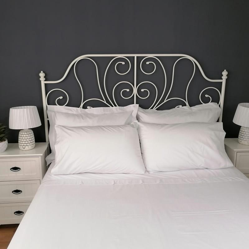 Flat sheet white trim Egyptian Cotton 200 Thread Count Percale Porto wide angle view